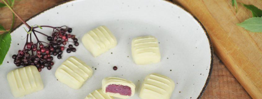 bonbons-chocolat-blanc-pâte d'amande au sureau