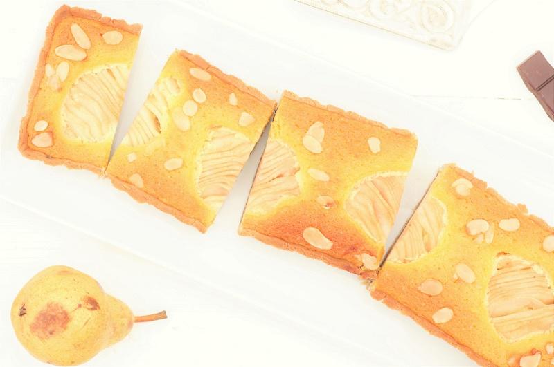 tarte poires amandes chocolat coupée